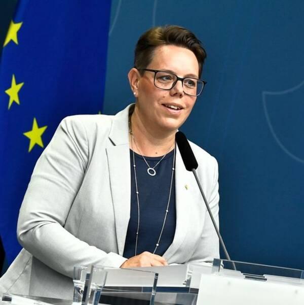 Marie Morell, ordförande i sjukvårdsdelegationen på Sveriges Kommuner och Regioner under regeringens pressträff om coronatestning.