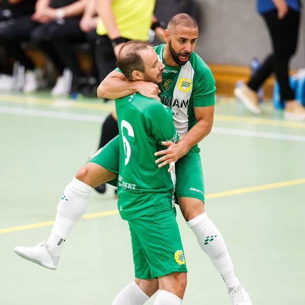 Hammarby jublar efter 2-0-målet i finalen.