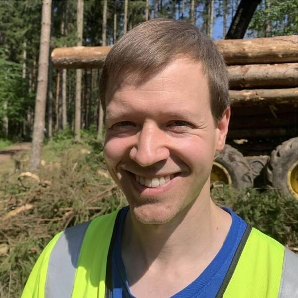 Granbarkborre. Thomas Weissenberg, skogsförvaltare Linköpings kommun.