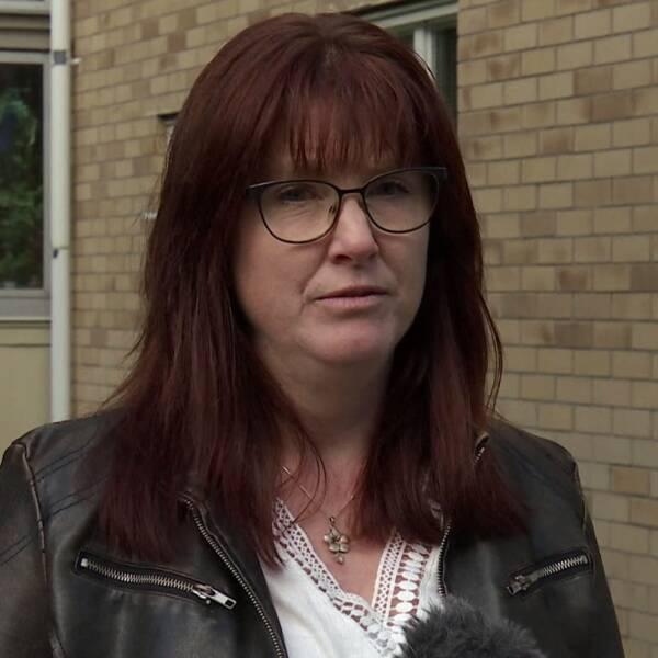 I klippet ovan förklarar mamman Annika Karlsson varför de inte protesterade