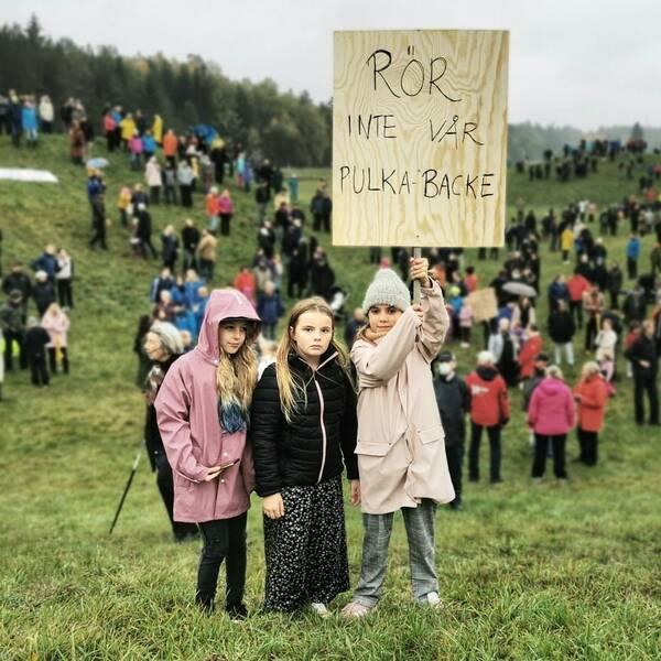 Manifestation mot byggplaner i Bergsbrunna, Nåntuna