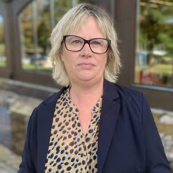 Mikaela Waltersson (M) är regionstyrelsens ordförande.