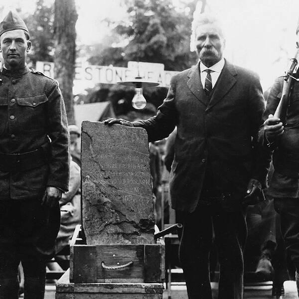 Olof Öhman med Kensingtonsten 1927