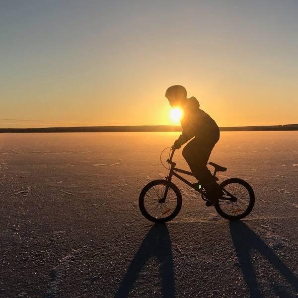 Cykeltur på Luleälven, Gammelstad, Norrbotten, 29 november.