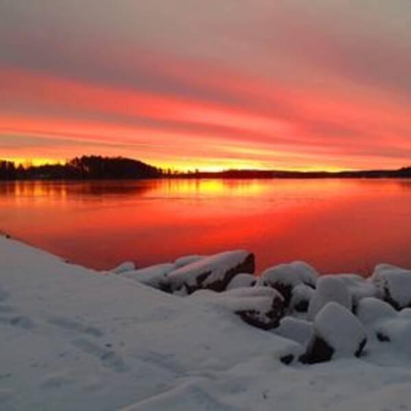 en soluppgång vid Ornässtugan i Borlänge kommun