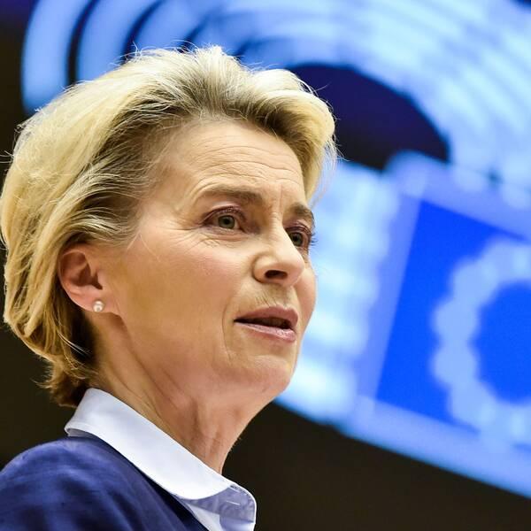 EU-kommissionens ordförande Ursula von der Leyen håller tal i EU-parlamentet.