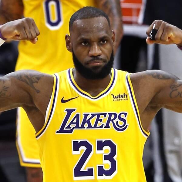 LeBron James har gjort minst tio poäng – i 1000 NBA-matcher på raken.