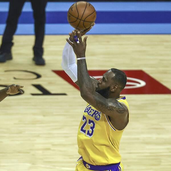 LeBron James gjorde 26 poäng mot Houston.