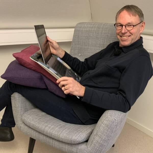 Stefan Åberg är ergonom och fysioterapeut i Falkenberg. Han har 20 års erfarenhet i branschen.