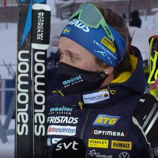 En trött Elvira Öberg.