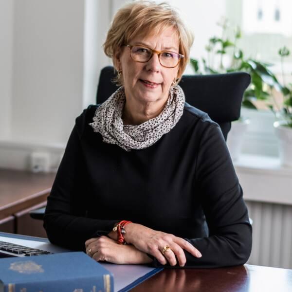 Advokat Elisabeth Nygren, Huskvarna Stadspark, ljus