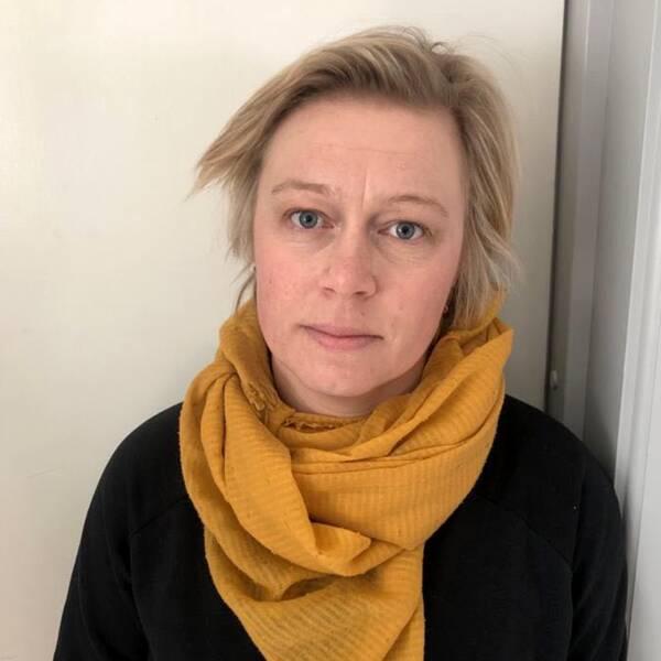 Antikroppstest delad med bild på en kvinna