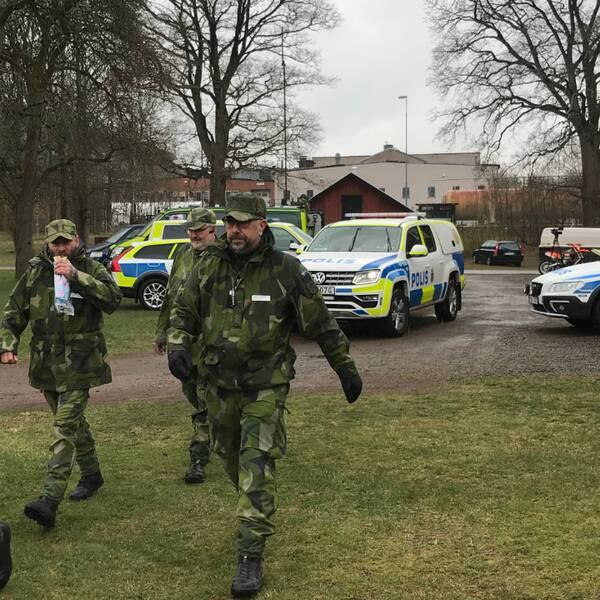 I sökinsatsen efter den äldre mannen i Orrefors ingår förutom polisen även Hemvärnet.