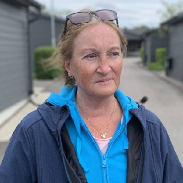 Christine Lundberg flyttade till Åsa för fem år sedan. Hennes hus är beläget på en låg punkt, vilket är problematiskt när det blir översvämningar.