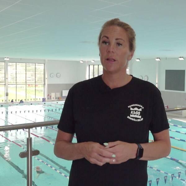 Två bilder, en på en flicka som simmar med flytbräda, en på Emma Igelström.