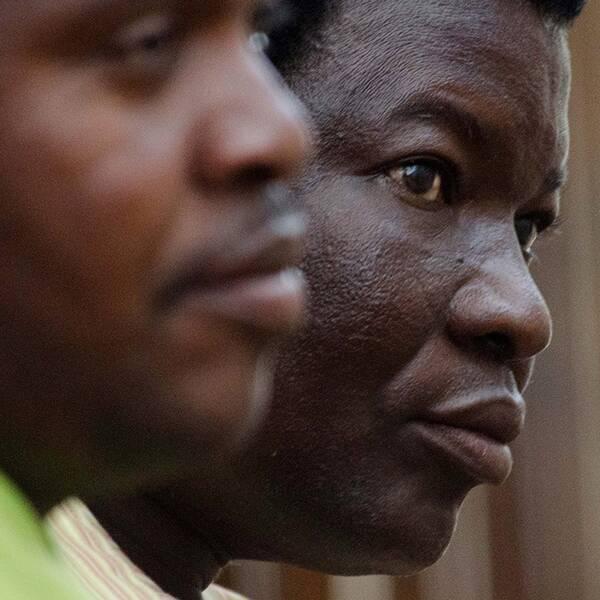 Markägaren Honest Ndlovu vid ett tidigare framträdande i rätten efter anklagelserna om att han, tillsammans med den yrkesjägaren Theo Bronkhorst, ska ha hjälpt amerikanen Walter Palmer vid jakten av lejonet Cecil.
