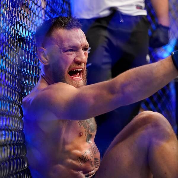 Förre UFC-mästaren Michael Bisping (höger) tycker att MMA-stjärnan Conor McGregor borde sparka sin tränare.