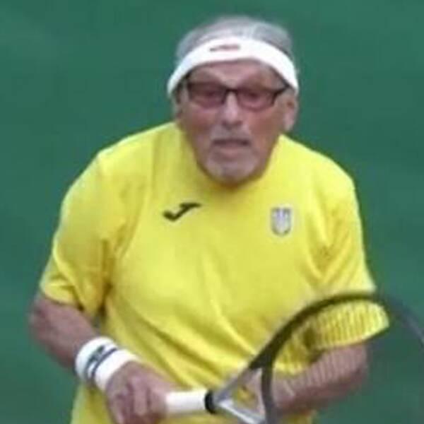 Leonid Stanislavskyi är utnämnd till världens äldste tennisspelare av Guinness rekordbok.