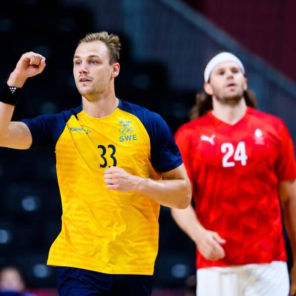 Lukas Sandell och Sverige besegrade Danmark i sista gruppspelsmatchen.