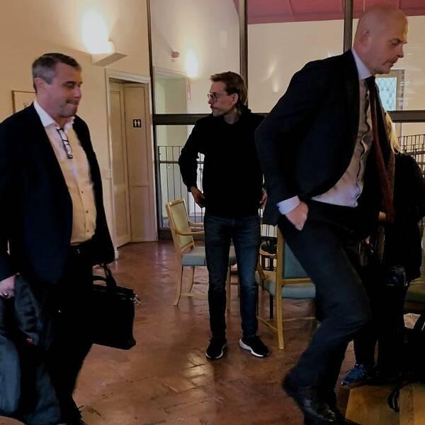 Daniel Kindberg och advokat Olle Kullinger.