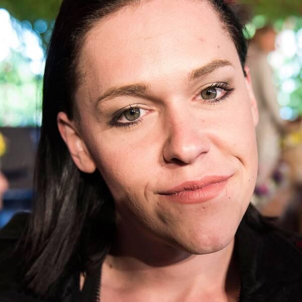 Saga Becker, Guldbaggebelönad skådespelare.