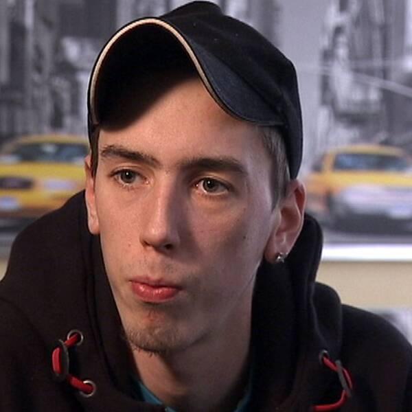 Linus, 22 år, berättar om hur enkelt det varit att få tag på medlet Subutex. Foto: SVT