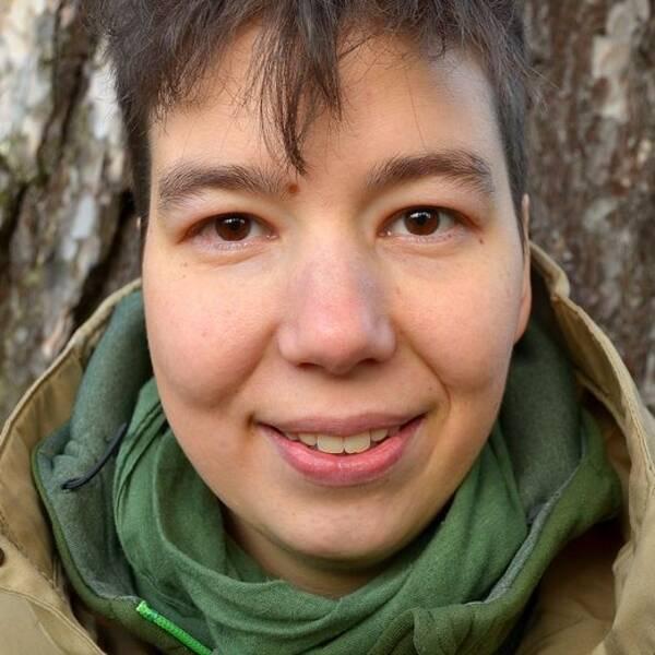 Minou Moon, Fältbiologerna