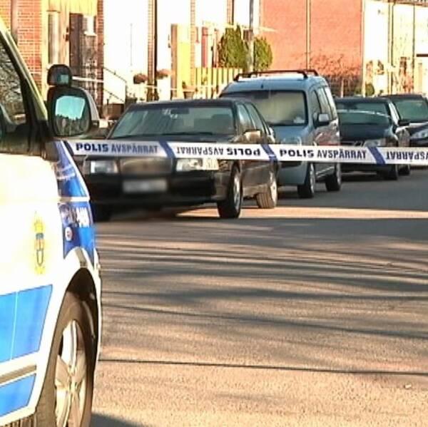 Avspärrning efter skottlossning i Hageby påsken 2014