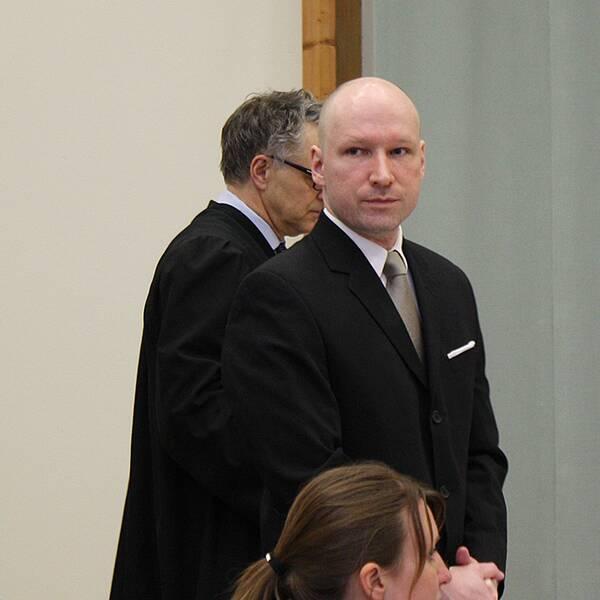Breivik i gymnastiksalen i Skiens fängelse.