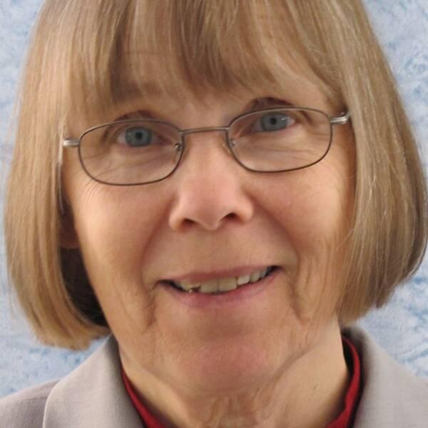 Professor emeritus filmvetenskap Margareta Rönnberg, barnkulturforskare & barnist (tänk analogt med feminist!), numera främst bloggare om barnkultur på http://barnisten.blogspot.se