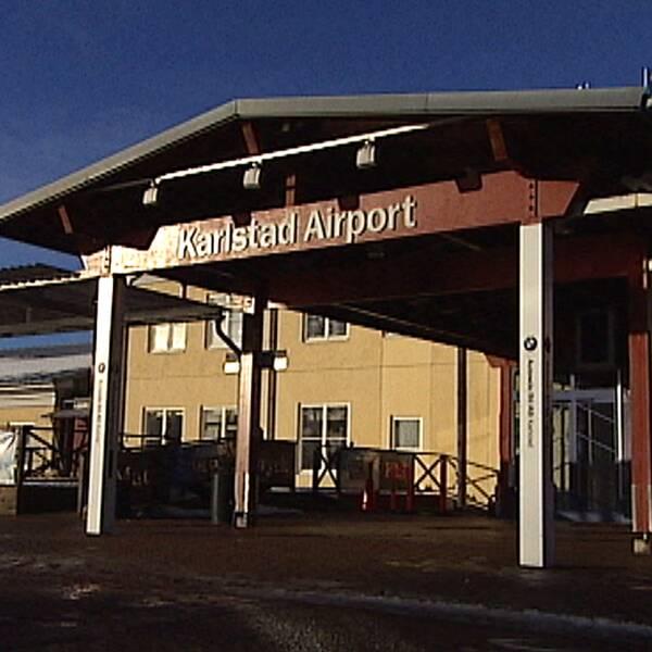 Inte bara förre vd utan hela styrelsen för Karlstad Airport kan ställas till ansvar för de misstag som gjorts. Också tidigare styrelser som redan beviljats ansvarsfrihet.