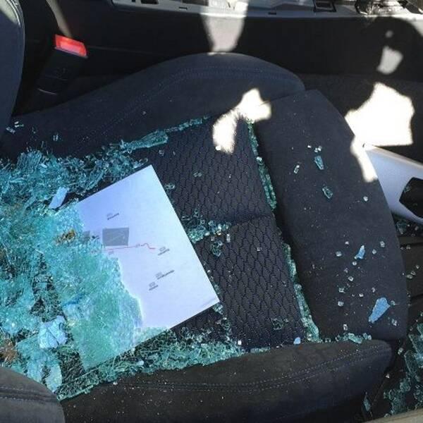 Krossad ruta i bil. Bilinbrott