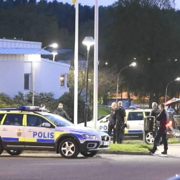 polis och polisbilar i Borås