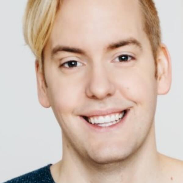 Vegoprofilen Mattias Kristiansson, skrivit en rad böcker med vegetariskt tema, chefred för tidningen VEGO.
