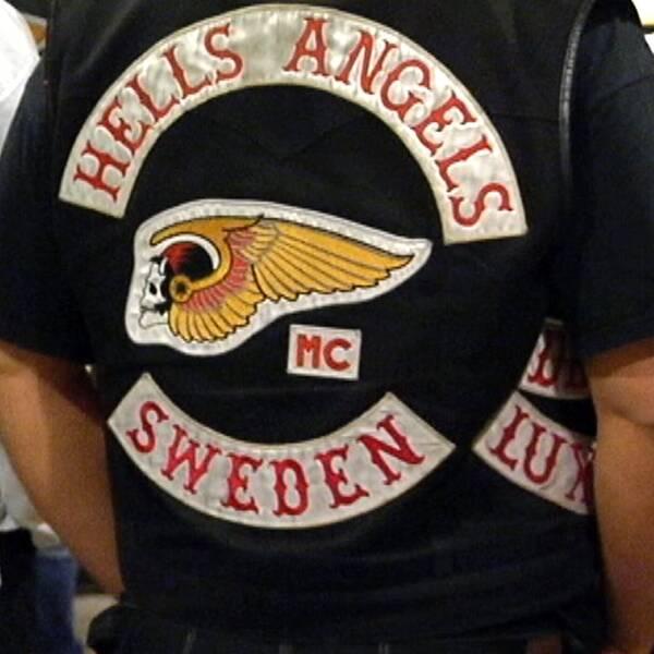 Skinnväst med Hells Angels logga på.