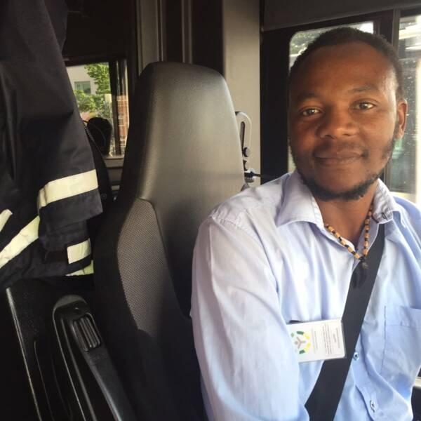 Eli Zulu, busschaufför