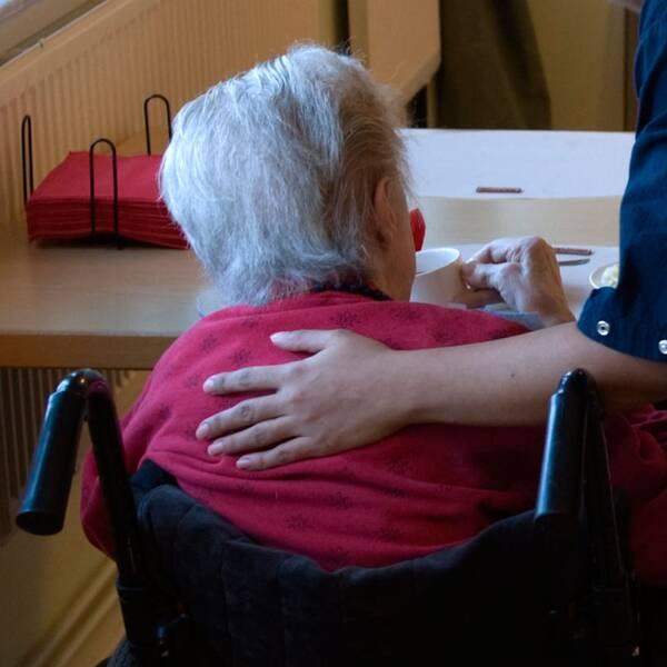 sjuksköterska, äldrevård, äldreomsorg, undersköterska, vårdföretag,