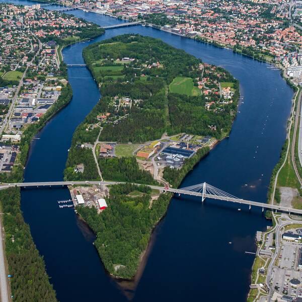 flygbild över Ön i Umeå, foto från Umeå kommun, stadsbild, översiktsbild, sommarbild