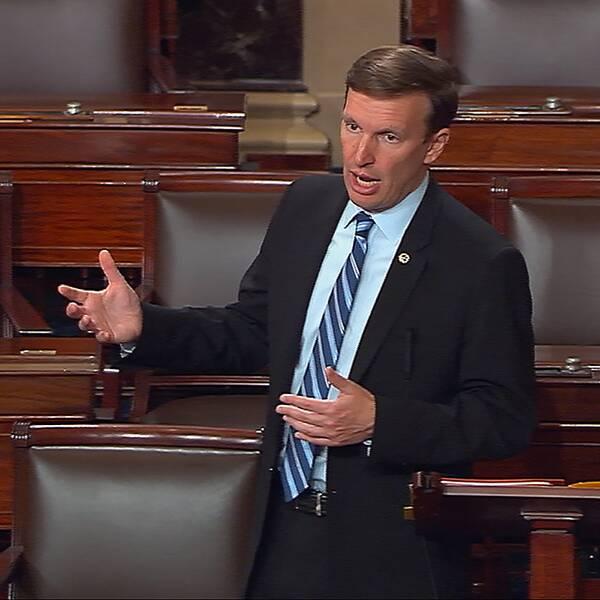 Senator Chris Murphy filibustertalade för att förmå USA:s senat att förbjuda terrmisstänkta att köpa vapen.
