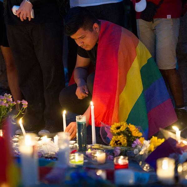 Den misstänkta Orlando-terroristen Omar Mateen, och sörjande vid en minnesplats i Washington.