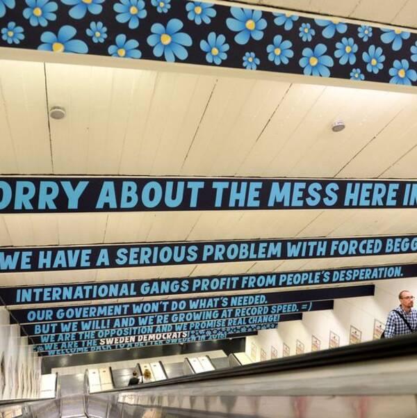 Sverigedemokraternas kampanj i Stockholms tunnelbana. Arkivbild.
