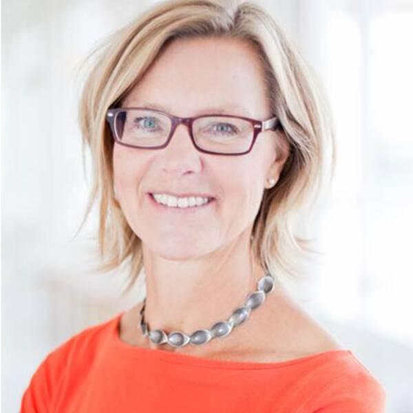 Festivalpublik och Eva-Maria Svensson, professor i rättsvetenskap med inriktning på genusfrågor