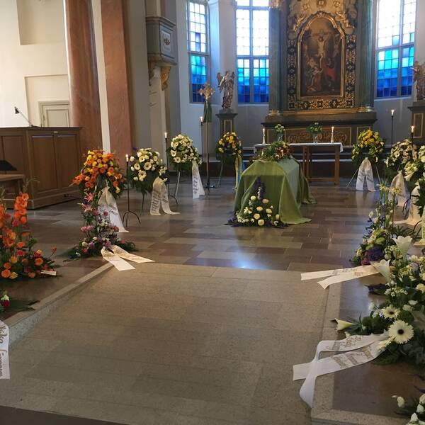 Thorbjörn Fälldins kista i domkyrkan i Härnösand