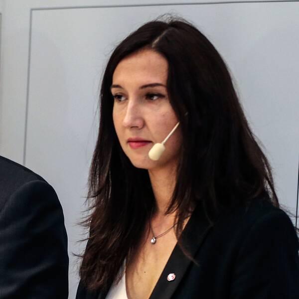 Aida Hadzialic med statsminister Stefan Löfven 2015.