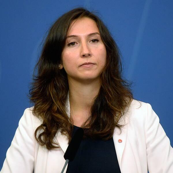 Gymnasie- och kunskapsminister Aida Hadžialić avgick efter ha åkt fast för rattfylleri.
