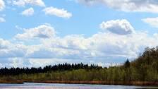 Bulliga moln av vattendroppar