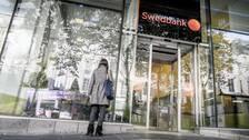 Swedbank är den tredje av de fyra storbankerna som kommer med sin halvårsrapport, och alla tre har överträffat förväntningarna.