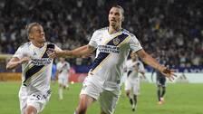 Zlatan Ibrahimovic jublar efter ett mål. Arkivbild.