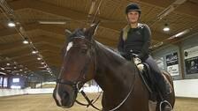 Olivia Lindwall på hästen Devon vid Karlstads ridklubb