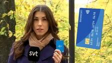 Från och med nästa år kommer den som reser i SL-trafiken att kunna betala sin biljett med sitt bankkort direkt i spärren.